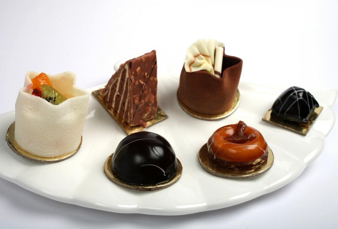 Птифур - десерт на один укус
