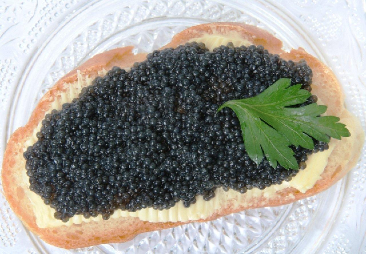 Бутерброды с икрой - русская традиция