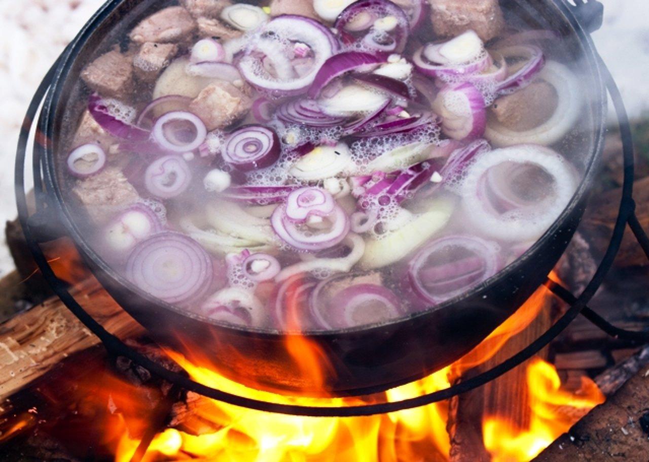 Шулпа - татарский бульон из мяса и лука